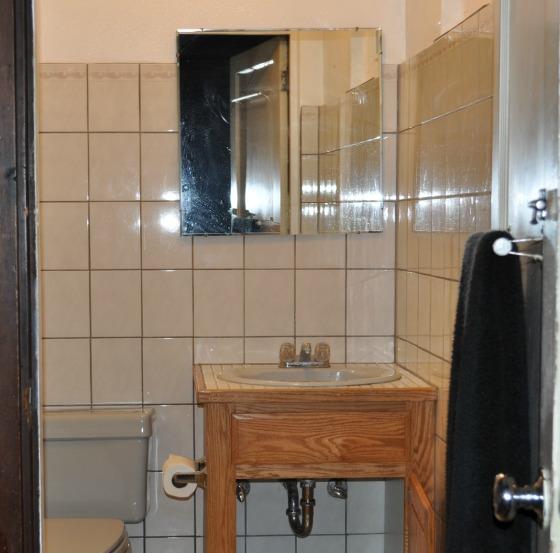 DSC_0087 1 bathroom